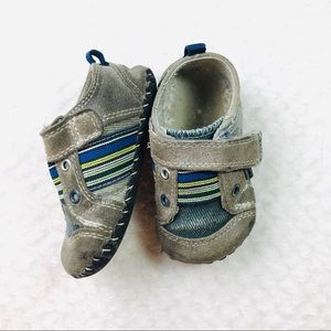 Pediped boys soft sole leather Jones gray sneaker